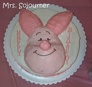 Simple Piglet Birthday Party Ideas.  #Piglet #Cake #Birthday