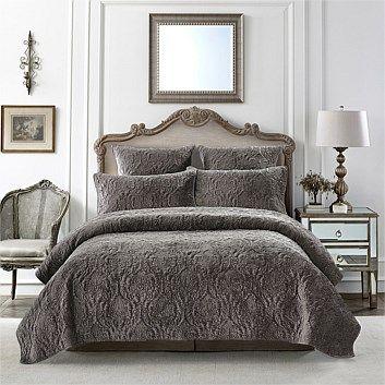Briscoes - Royal Premiere Isabella Comforter