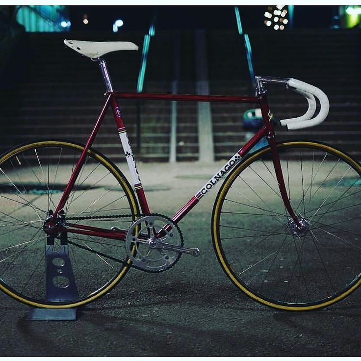 Esa Mexico pista. What a beauty! Meravigliosa! #Colnago #bestbike #bike #bikelife #instagramhub #instadaily #instagood #cyclingphotos #ciclismo #cycling #madeinitaly #steelframe #vintage #masterpiece #master @mr_slowie  thanks by colnagoworld