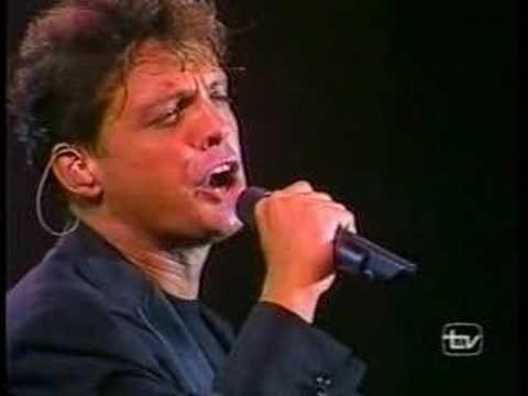 Luis Miguel-Encadenados en vivo  Santiago,Chile 97