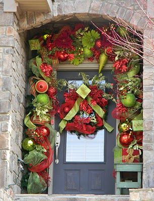 christmas door ideasIdeas, Front Door Decor, Christmas Front Doors, Front Doors Decor, Christmas Eve, Christmas Doors Decor, Christmas Decor, Holiday Decor, Front Porches