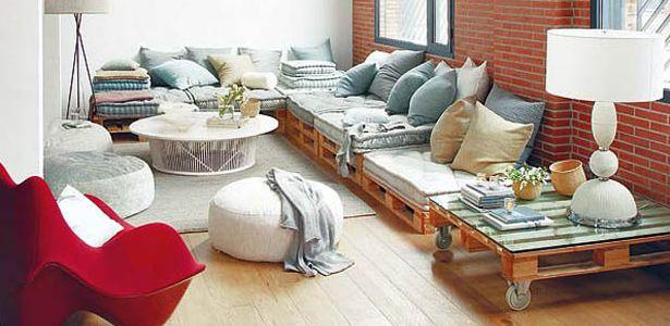 DECORAR CON PALETS. DIVERTIDO, SOSTENIBLE Y BARATO. Pallet, living room, sofa, table...