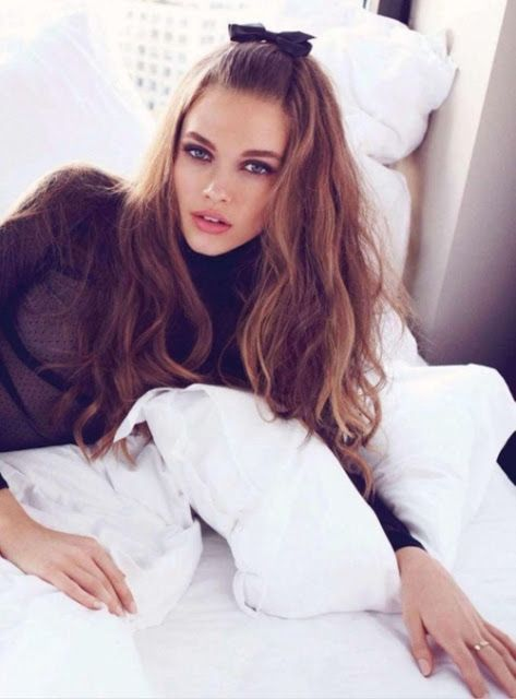 Emma Louise Layla: SIXTIES HAIR