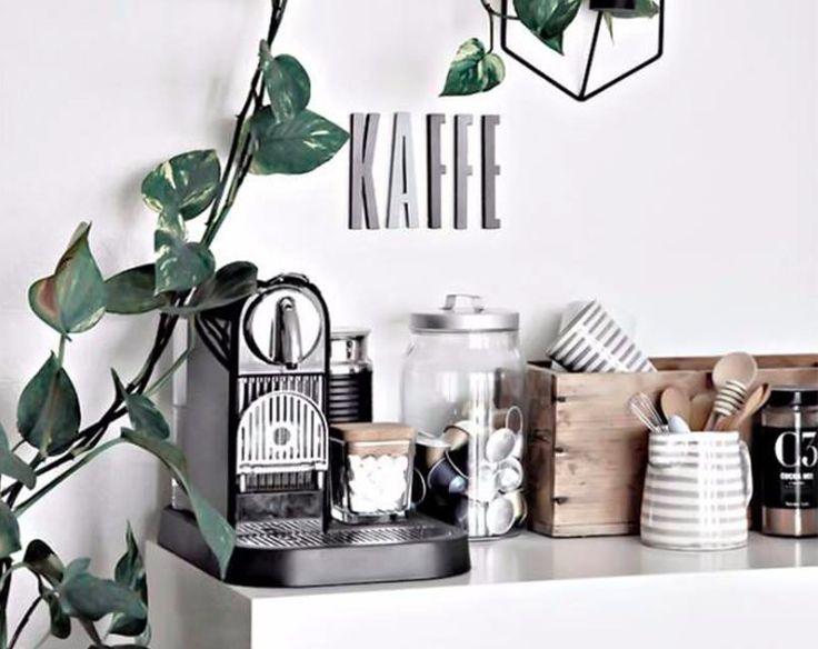 25 beste idee n over koffiecorner op pinterest bar in de hoek koffie hoekje en thee station - Deco keuken chique platteland ...