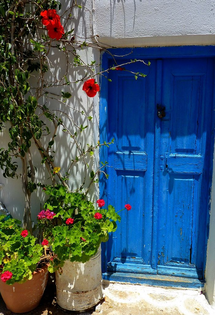 Door in Chora, Kythnos island, Cyclades, Aegean_ Greece