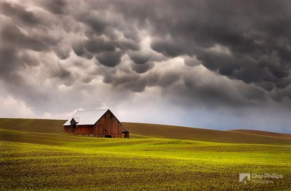 Mammatus clouds and barn palouse - Landscape Photography by Spokane, Washington based photographer Chip Phillips