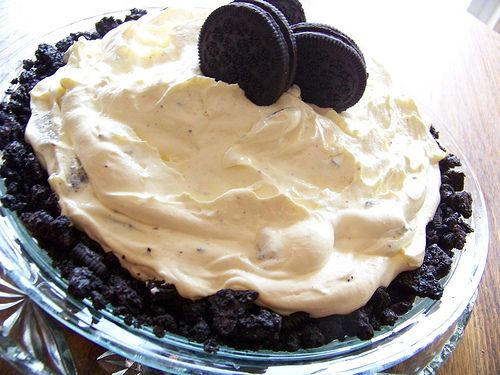 15-Minute Oreo Pie --- I was able to make this on my lunch break, it truly takes 15 minutes! :)