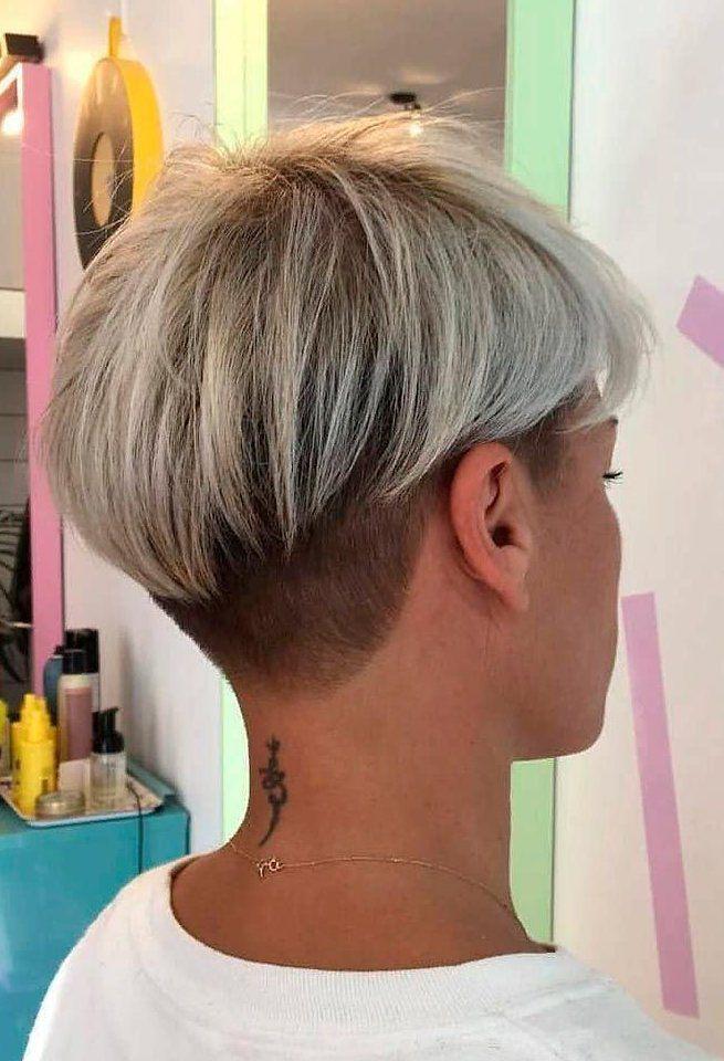 Hubsche Pixie Mit Undercut Undercut Pixiehair Kurze Frisuren Zum Besten Von Hai In 2020 Short Blonde Hair Short Hair Styles For Round Faces Short Hair Styles