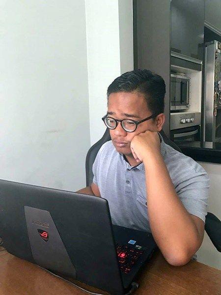5 Minuman Nie Kalau Pekena Pergh!!!! Memang Menyegarkan!!!  Cuaca Malaysia memang panas. Kalau jalan kat luar 5 minit pun ketiak dah berpeluh. Badan pun cepat rasa tak selesa. Melekit semacam je. Kebosanan pun mudah melanda diri sekiranya seharian bekerja di pejabat atau mendengar kuliah di universiti. Kena pulak lecturer yang mengajar pulak tak menarik atau kerja kat ofis tak banyak sangat. Aircond pulak sepoi-sepoi bahasa je bertiup. Memang confirm anda akan bosan punya.  Sekiranya anda…