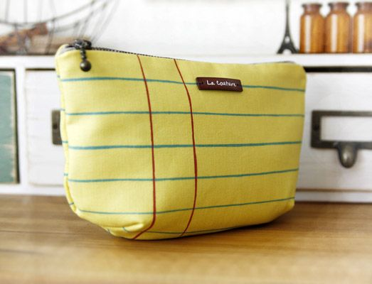Wonder where they found this material!!! Lined Zippered Pouch / Makeup Bag DIY Pattern & Tutorial.