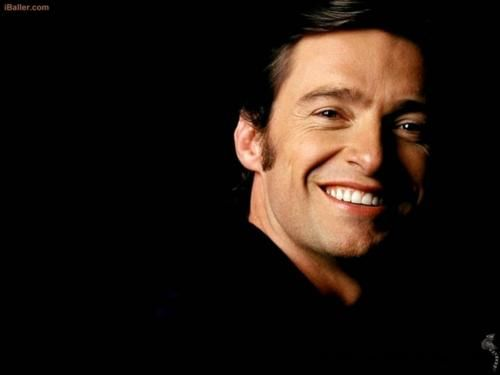 Even without the Wolverine fangs, Hugh Jackman's got a nice set of chompers!
