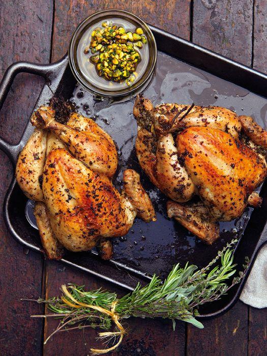 Курица с травами и фисташковой сальсой