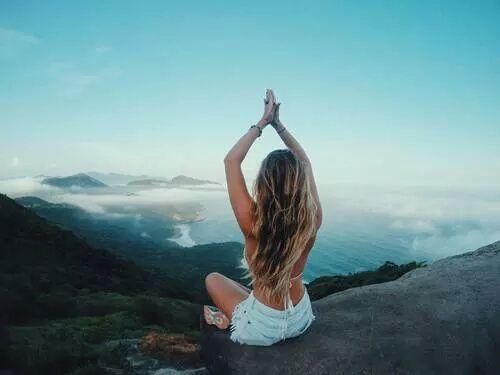 脂肪を燃焼させるためには、良い呼吸が必要なことをご存知でしたか?そのため有酸素運動が大切と言われていますが、激しい運動すれば良いというわけでは決してありません。運動なしでも呼吸と姿勢を正しいやり方で取り組めば、確実にダイエットの結果を出せるのです。