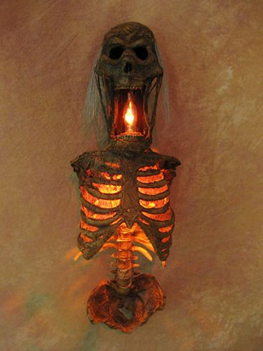 Torso-of-Terror-Sconce-19-tall-Corpse-Halloween-Prop-NEW