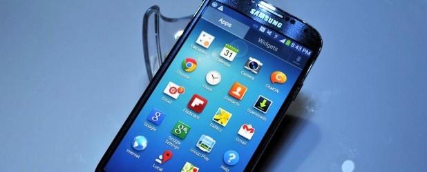 No i jest! Samsung Galaxy S 4 został oficjalnie zaprezentowany w Nowym Jorku, i można już zacząć analizować to, czy pokazane nowości mają sens, czy urządzenie będzie hitem i co wniesie na rynek. http://www.spidersweb.pl/2013/03/najwazniejsze-w-tygodniu-samsung-galaxy-s-4-hit-czy-kit.html