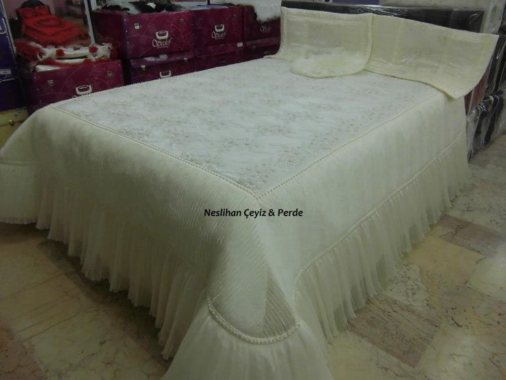 Dantel yatak örtüsü ve şeması http://www.canimanne.com/dantel-yatak-ortusu-ve-semasi-3.html  Check more at http://www.canimanne.com/dantel-yatak-ortusu-ve-semasi-3.html