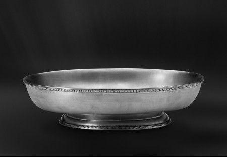 pewter oval footed centerpiece  http://www.pewter-gt.com/pewter-products/pewter-centerpiece  #italian #pewter #tableware #manufacturers #madeinitaly #oval #footed #centerpiece