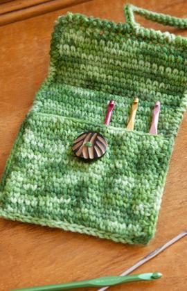 Crochet hook case (free pattern)