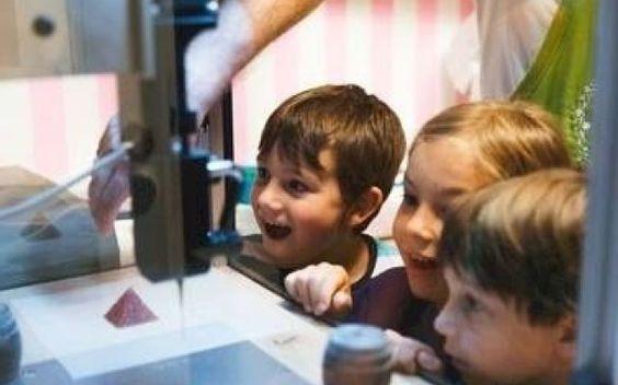 Magic Candy Factory, bonbon 3D  http://www.lifestyl3d.com/lusine-a-bonbons-magiques-debarque/