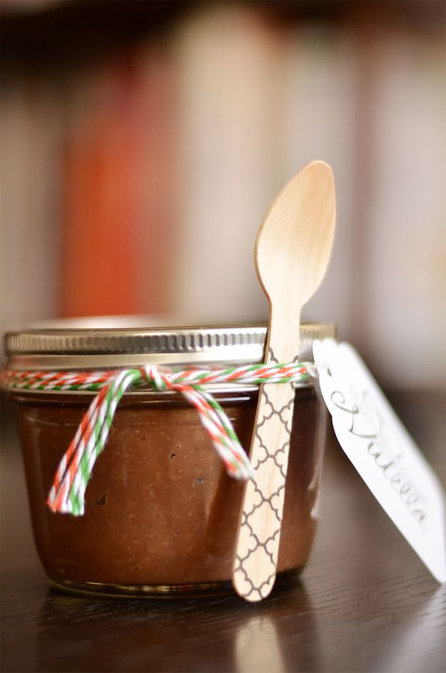 ... Homemade Nutella, Food Yummo, Diy Food Gift, Nutella Recipe, Homemade