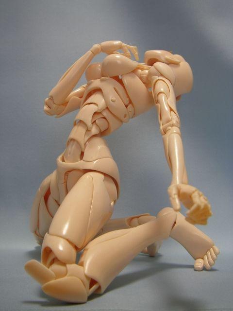 Conheça o manequim articulado que simula quase todos os movimentos dos humanos