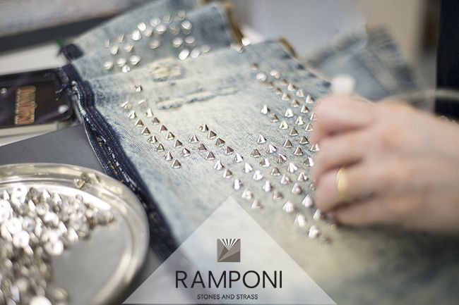 #Ramponi denim borchie spike studs