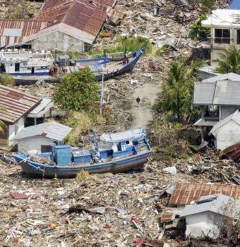 la grande vague a tué 220000personnes en asie du sud-est comme dans la corne