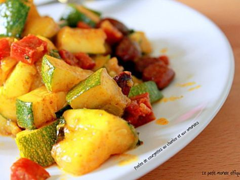 courgette, pomme de terre, tomate, poivron rouge, lardons, oignon, ail, thym, poivre, sel, huile d'olive