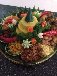 Madriga Catering 08118888653: Pesan Nasi Tumpeng Di Pasar Minggu