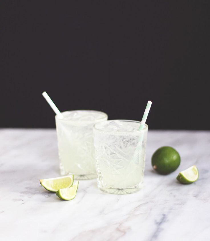 COCKTAIL – Cointreau Fizz..