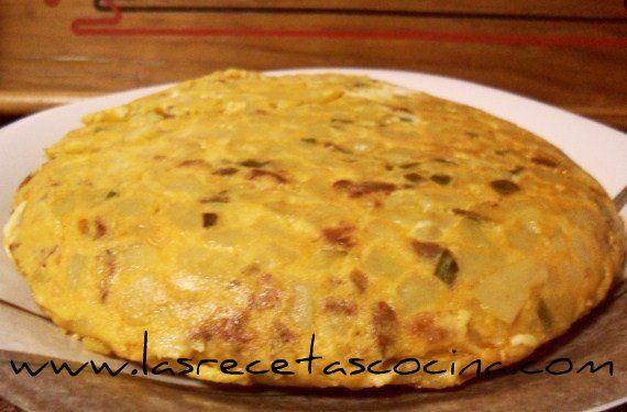 Tortilla española, receta tradicional # ¡Hola chicas!. Hoy os traigo la receta más tradicional dentro de la gastronomía de nuestro país, la tortilla española. Sin duda alguna, es una de las recetas más realizadas dentro de cualquier hogar español o …