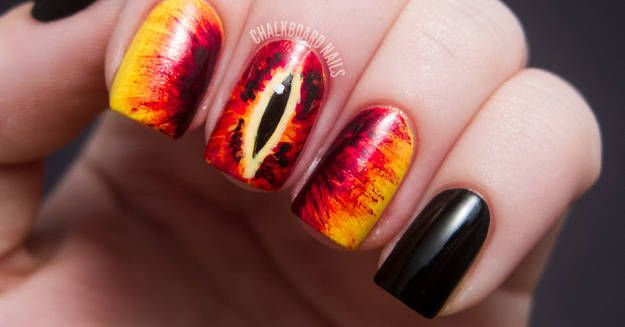 These 31 Nail Art Designs Are Absolutely Perfect For Geeky Girls  Bunch of doctor who ideas!