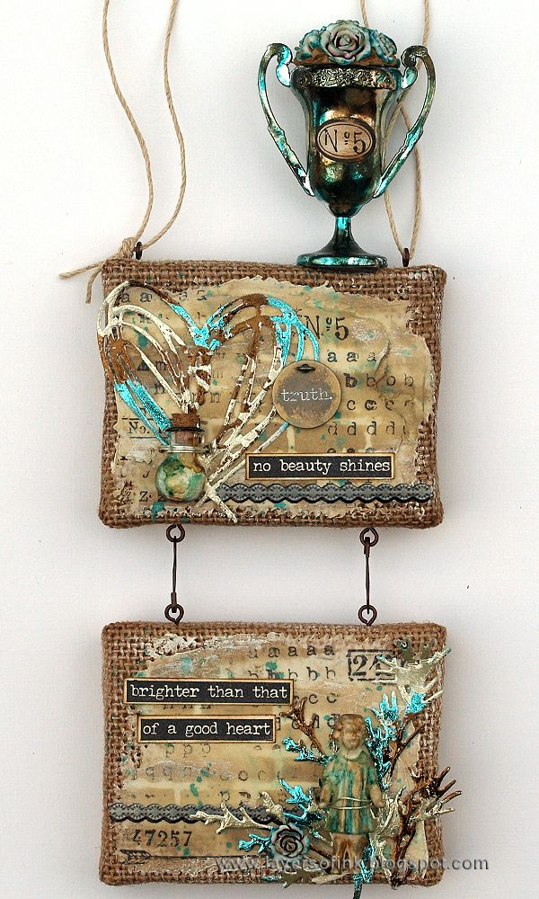 Mixed Media Burlap Panels Tutorial by Anna-Karin Evaldsson, for Simon Says Stamp blog. Made with products by Tim Holtz, Ranger and Sizzix.