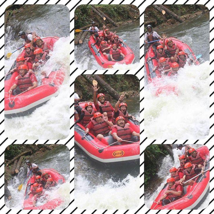 River rafting. Wet wet and more wet. Yet still can smile for the camera... . . . . . #river #rafting #riverrafting #arungjeram #cileunca #situcileunca #outbound #travel #teamwork #watersport #pangalengan #adventure #fun #excitement #wet #boat #perahu #sungai #mandi #basah