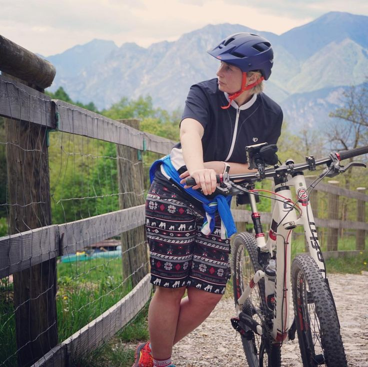 Noch ganz schön weit...#bike #gardasee #mtb #berge #mountainbike #passodelsassi #passo #schweinehund #biken #awesomepic #awesomeview #awesome_foto #earthpix #earthpic