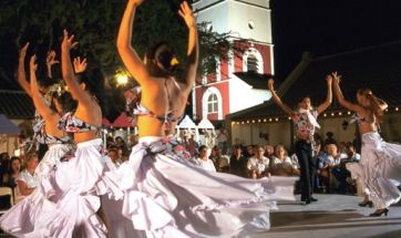 Looking for more #events in #Aruba? The Bon Bini Festival takes place every Tuesday in downtown Oranjestad!