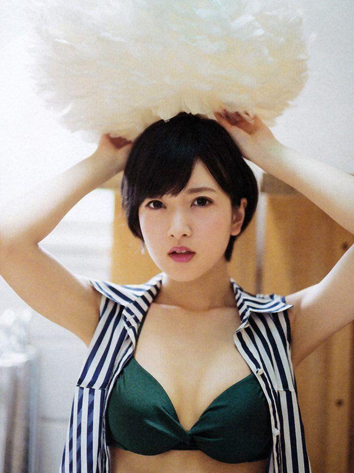 ファッションモデルの須藤凜々花さん