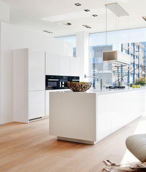 Simple Beautiful Poggenpohl kitchen SEGMENTO
