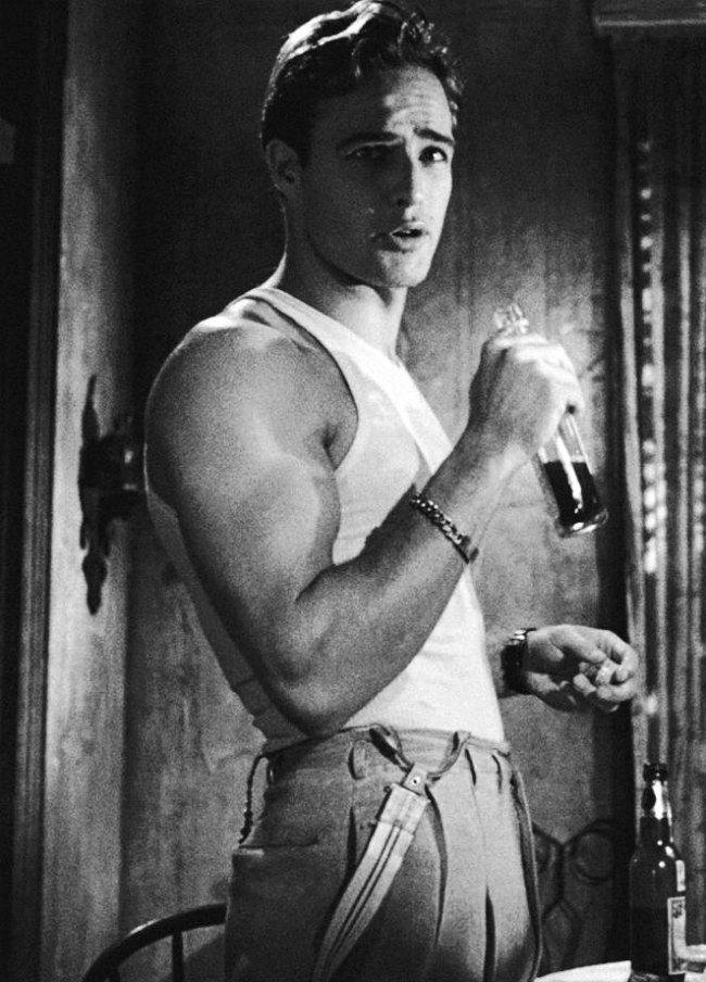 """Трамвай Желание """" (1951) Марлон Брандо в роли Стэнли Ковальски"""