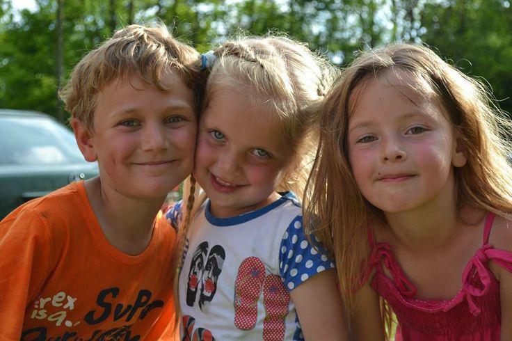 Glunderende vakantiegezichtjes op camping Wedderbergen | gezinsvakantie