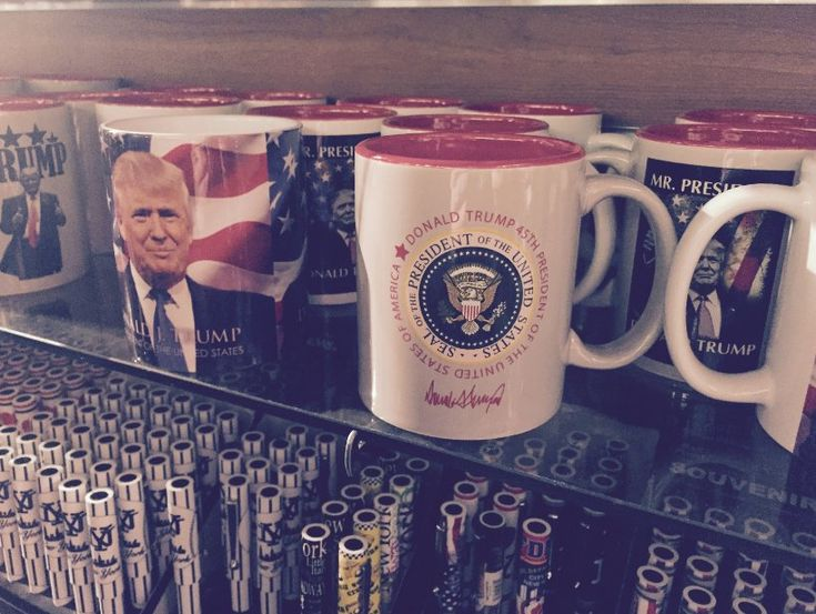 """""""Worth noting, in light of @ProPublica's reporting this week on use of the presidential seal for commercial purposes, that the Trump Tower gift shop has been selling various tchotchkes bearing the presidential seal."""""""