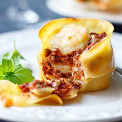 Mini lasagne pieczone w formie na muffiny | Kwestia Smaku