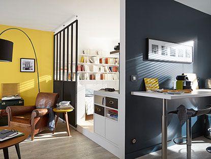 Quand on dispose d'une surface «brute» : comment délimiter une chambre, un coin cuisine, un salon ? Estrades, demi-cloisons, séparation verrière… permettent de créer des zones à la fois ouvertes et intimes... l'idéal pour aménager les petits espaces ou les lofts.