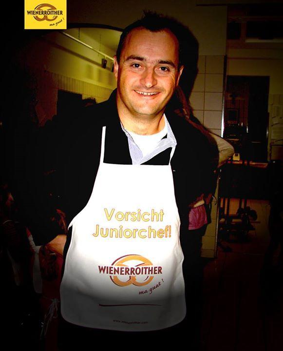 Einmal Juniorchef - immer Juniorchef 😁  #wienerroither #pörtschach #backhandwerk #maguat #chef #junior #bäcker #backen #bäckerei