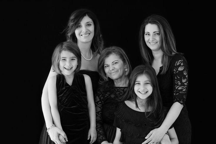 Shooting generazionale: mamma, figlia e nonna insieme in un ricordo indimenticabile