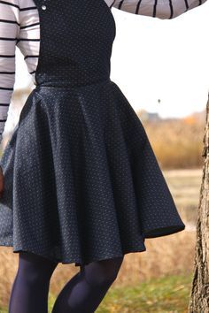Overall Skirt.. Neat idea. Directions in french but pics are great: DIY Salopette jupe cercle | Le Fil à Coudre d'Anna
