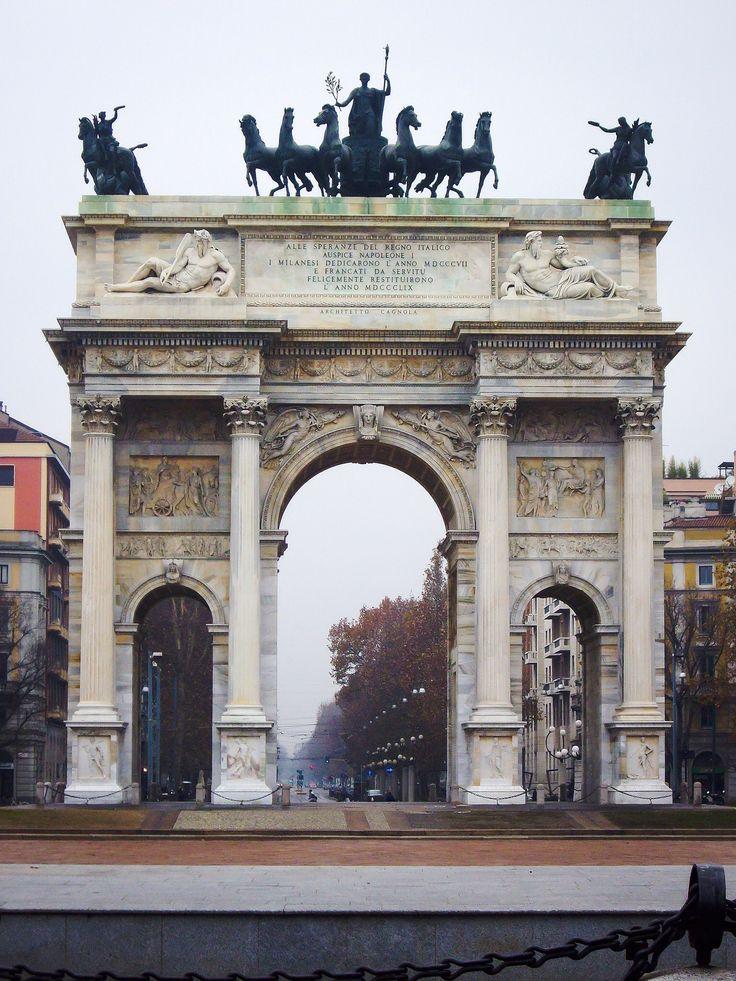 Arco de la Paz (Milano - Italy)