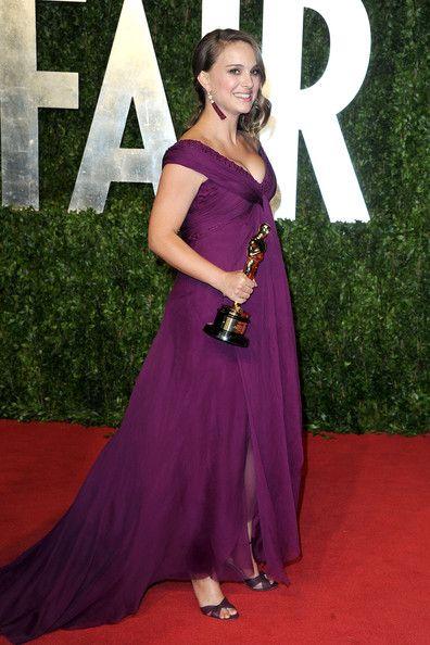 65728c230d4 Natalie Portman - The Best Red Carpet Maternity Style - Photos ...