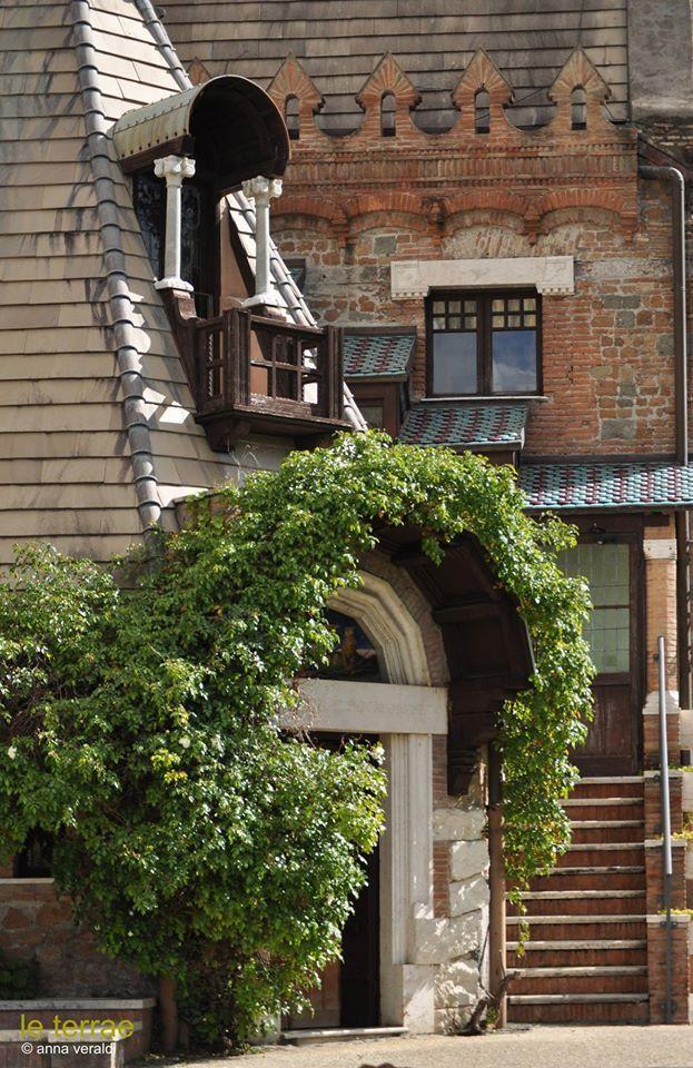 Walking in Rome: Casina delle Civette, Villa Torlonia. Italy Photo © Anna V. www.leterrae.com