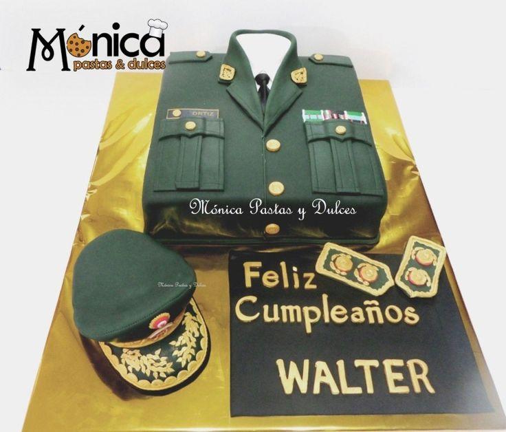 TORTA MILITAR PARA GENERAL PNP, con detalles unicos y personalizados ,elaborado por MONICA PASTAS Y DULCES